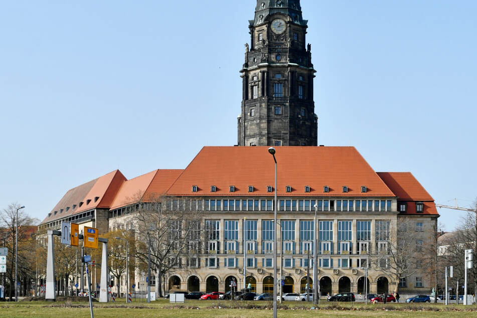 Noch verweigert das Rathaus eine Übersicht über alle städtischen Grundstücke.