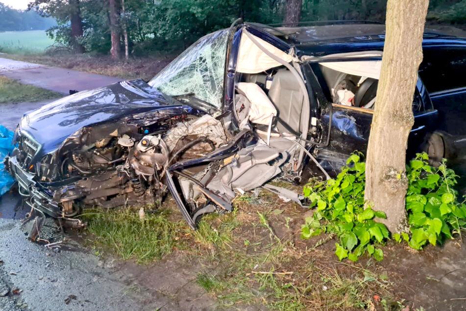 41-Jähriger stirbt bei tragischem Autounfall!