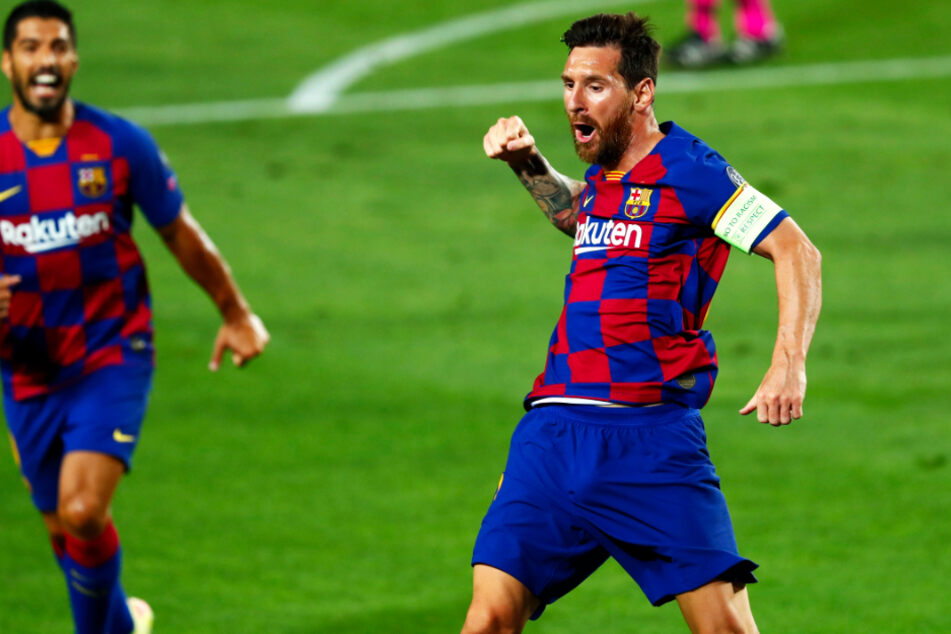 Lionel Messi (33, r.) bleibt beim FC Barcelona.