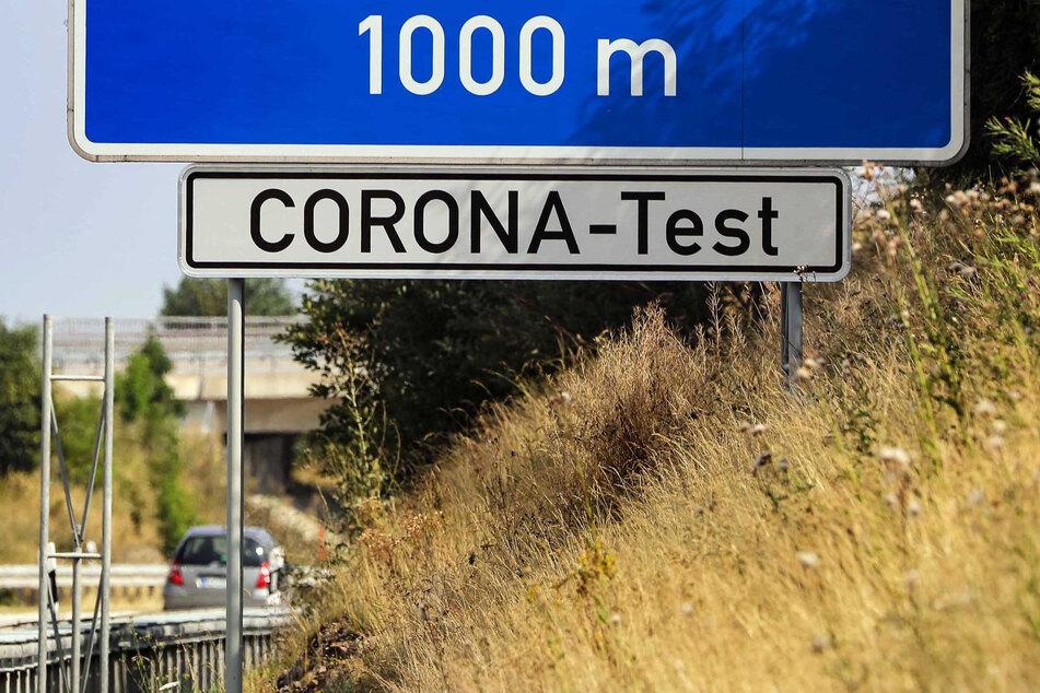 Grenzpendler müssen ab Sonntag zwei Mal pro Woche einen Corona-Test machen, um einer Quarantäne zu entgehen.