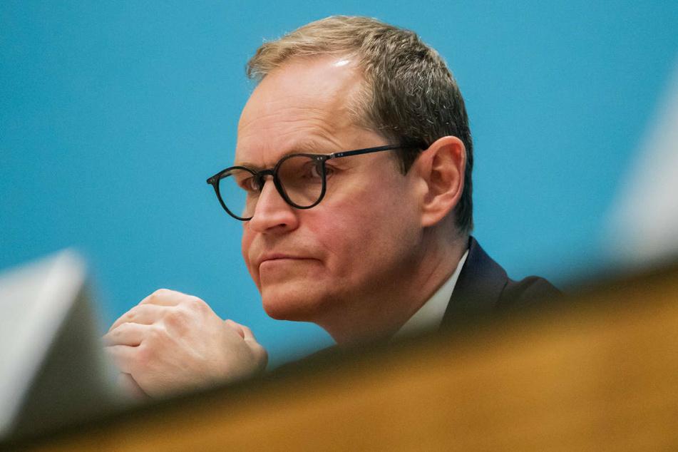 Berlins Regierender Bürgermeister Michael Müller (56, CDU) hat am Donnerstag vor zu hohen Erwartungen an die geplanten Corona-Impfungen für Kinder gewarnt.