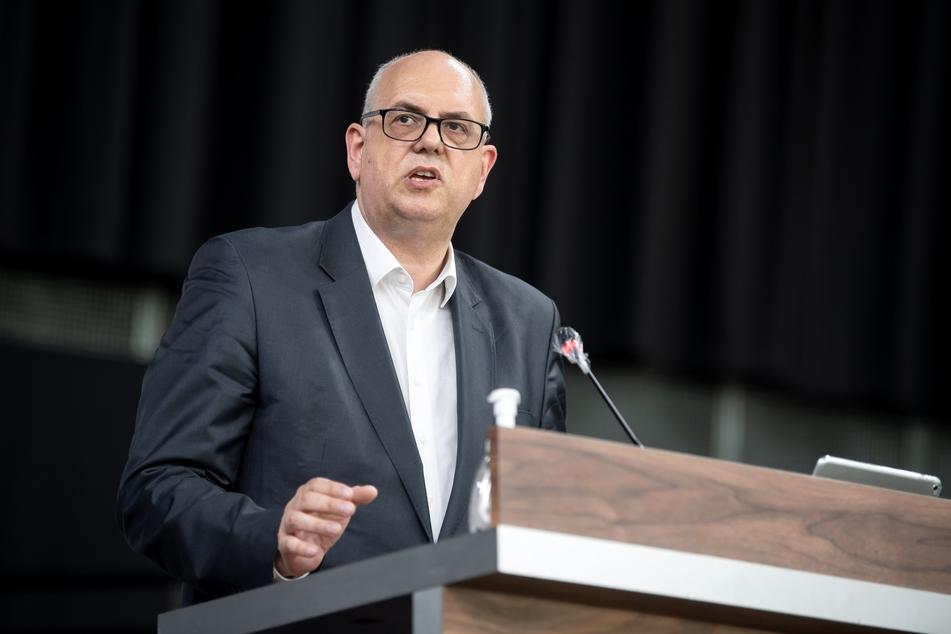 Andreas Bovenschulte (SPD, 55), kündigte an, dass neue Corona-Verordnungen im Bundesland Bremen künftig im Parlament diskutiert und bestätigt werden sollen.