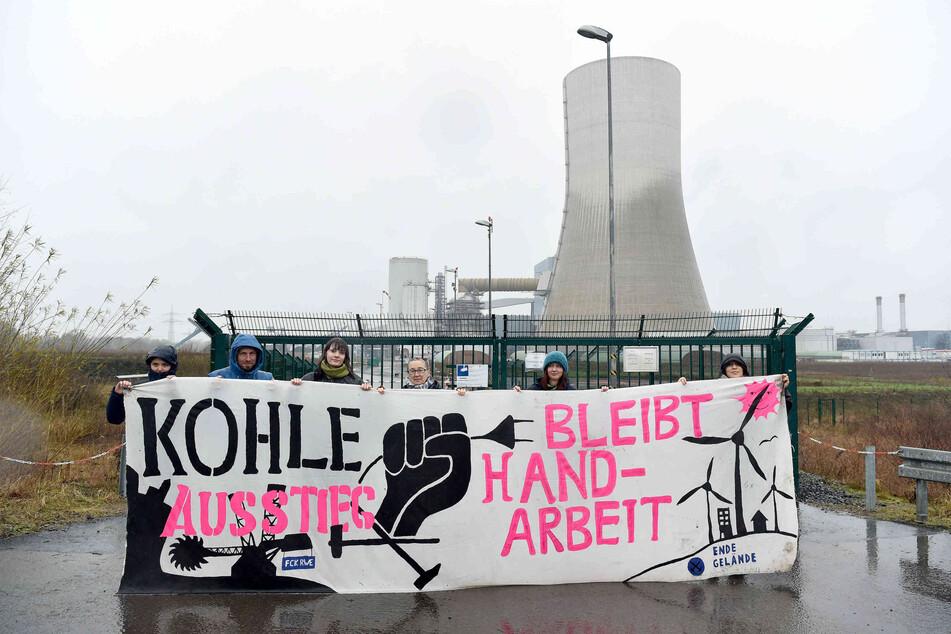 """Streit um Verfassungsschutz – Ist Klimaschutz-Gruppe """"Ende Gelände"""" links-extremistisch?"""