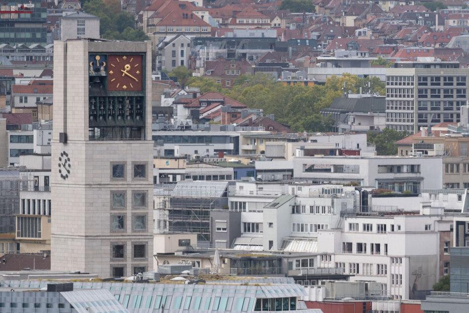 Nun hat auch Stuttgart in der Corona-Pandemie die wichtige Warnstufe von 50 Neuinfektionen pro 100.000 Einwohner überschritten.