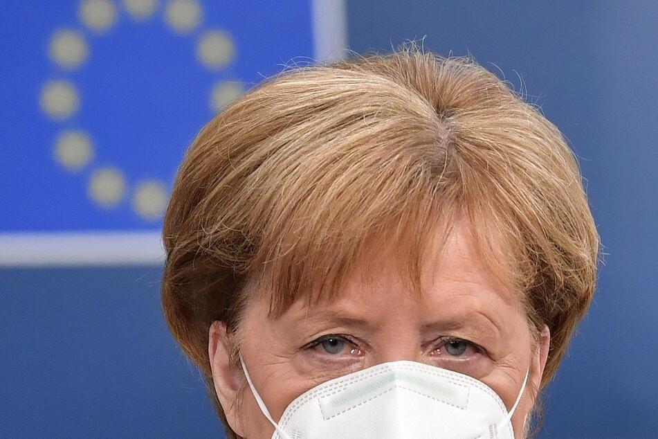 Angela Merkel, Bundeskanzlerin, trifft beim EU-Gipfel im Gebäude des Europäischen Rates ein.