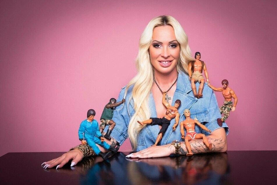 """Cora Schumacher (43) sucht in """"Coras House of Love"""" nach ihrem Traummann."""