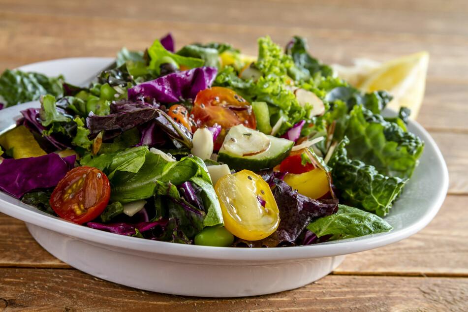 Salat schmeckt am besten frisch und knackig.