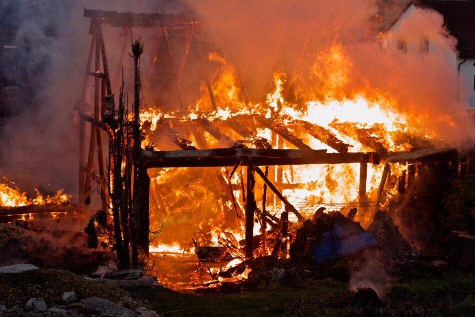 Scheune steht in Flammen: Satter Sachschaden!