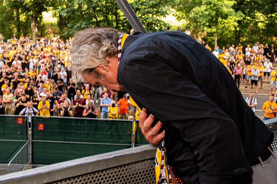 Ralf Minge (60) verabschiedete sich nach dem Abstieg im Sommer 2020 mit einer Verbeugung und menschlicher Klasse von Dynamo Dresden.