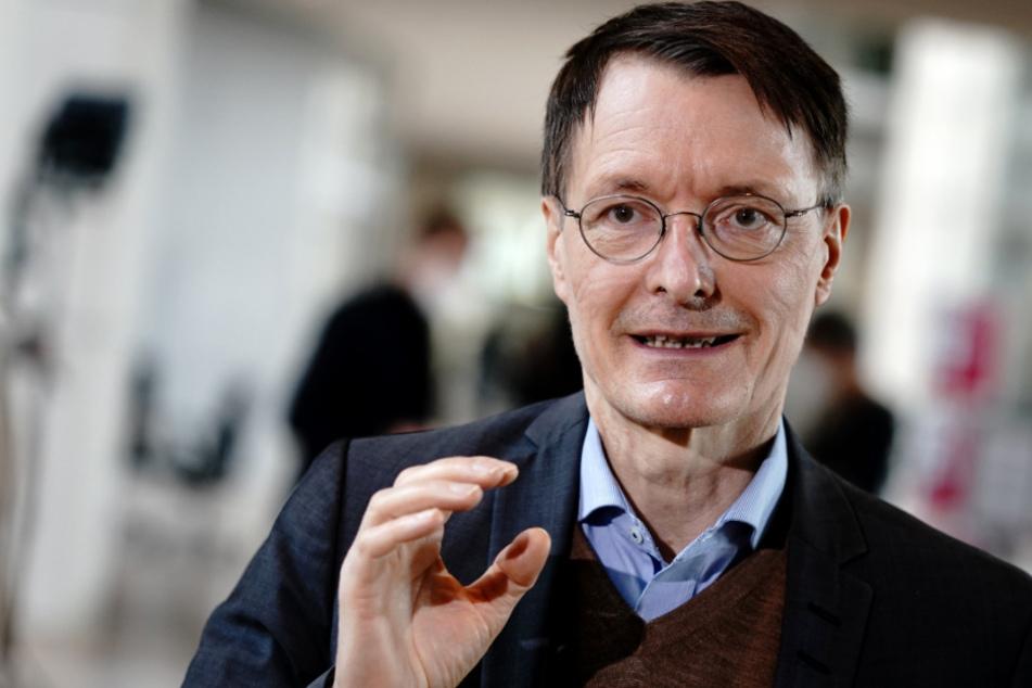 Kurioser Fakt zu Karl Lauterbach: Gesundheitsexperte lagert daheim über 100 Fliegen