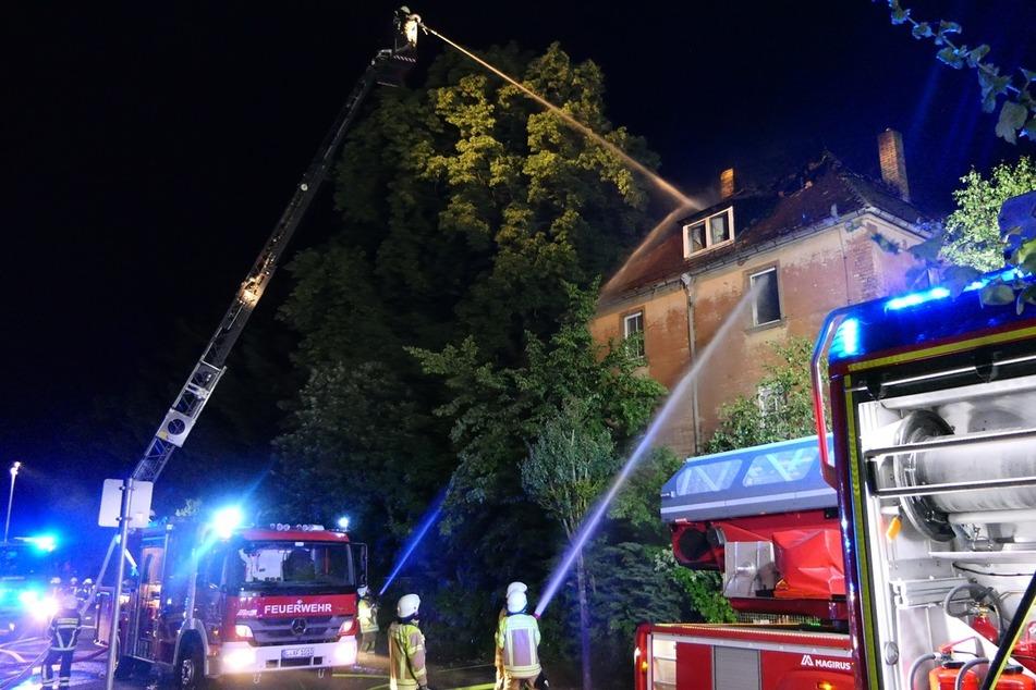 Bei dem Feuer in Borsdorf waren insgesamt 69 Feuerwehrleute im Einsatz.