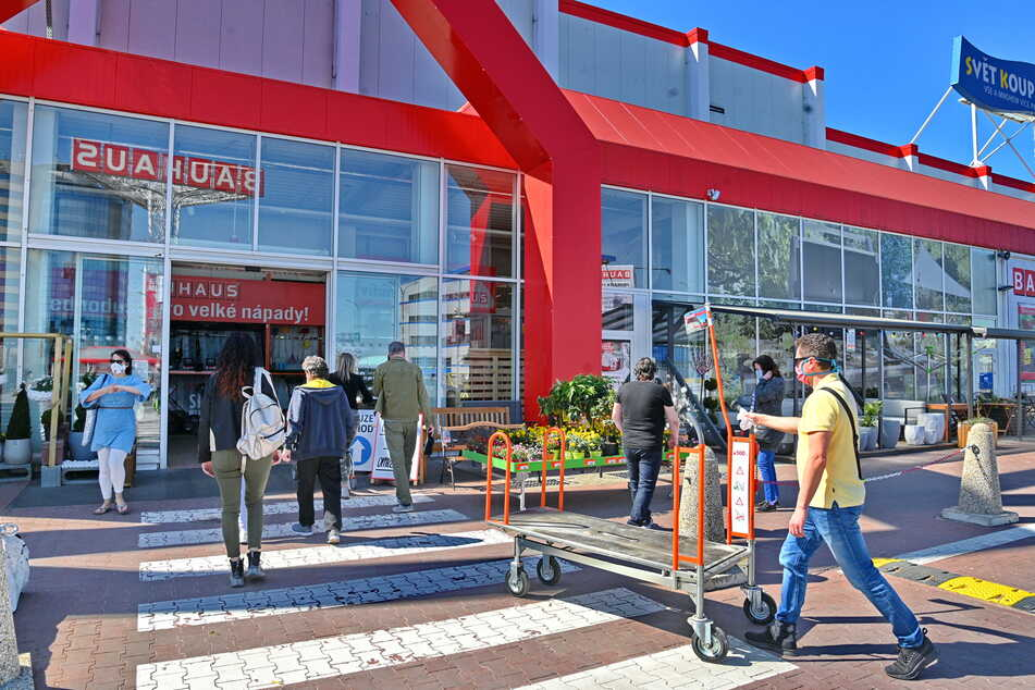 In Tschechien wurden am gestrigen Montag 4377 Corona-Neuinfektionen gemeldet. Trotzdem sollen dort womöglich bald wieder die Geschäft öffnen.
