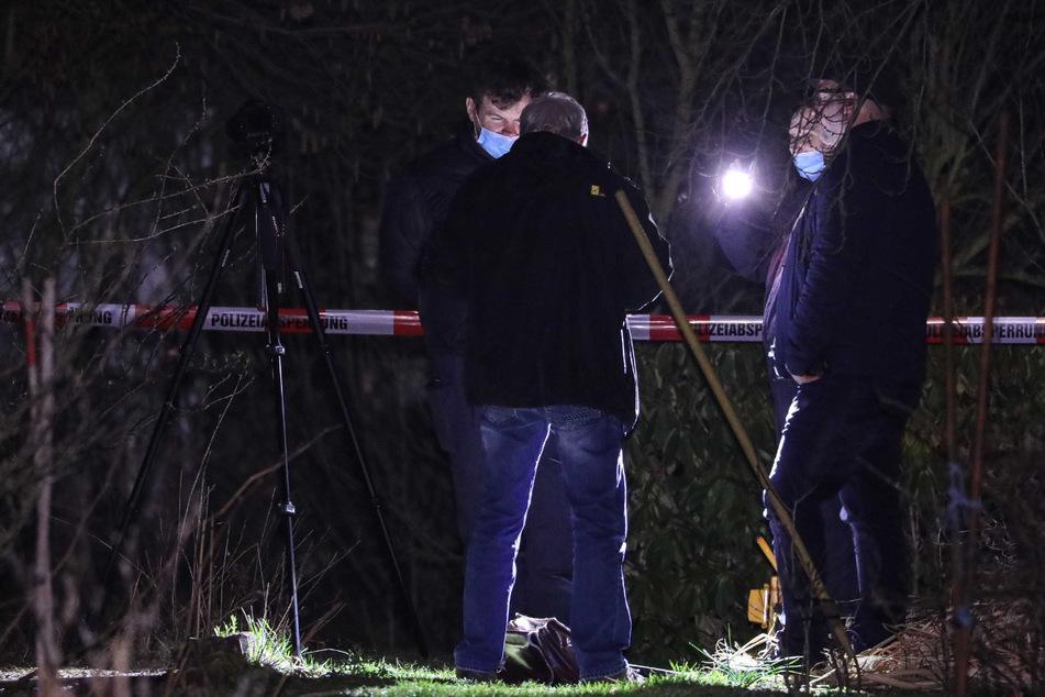 Dresden: Gruselfund in Pieschen: Polizei entdeckt Knochen und Gewebereste in verwildertem Garten