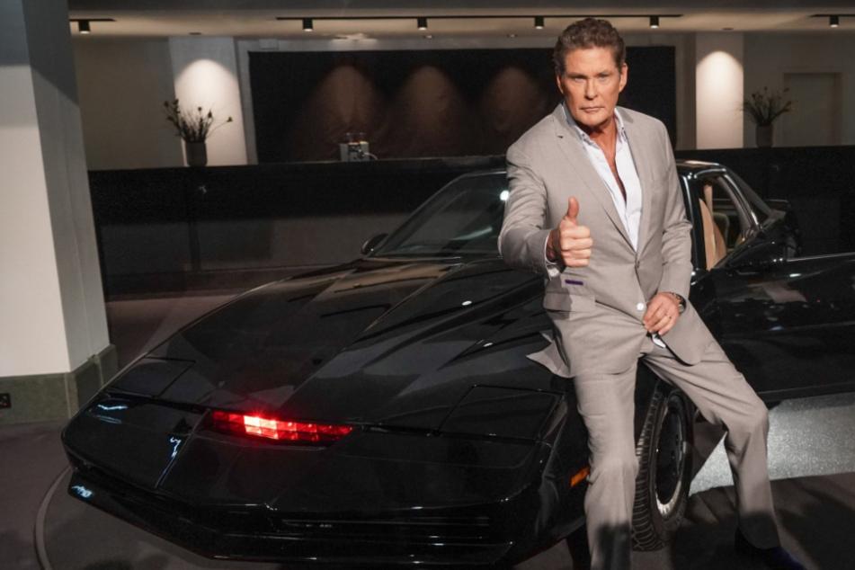 """David Hasselhoff versteigert """"K.I.T.T.""""-Auto aus """"Knight Rider"""", doch das ist noch nicht alles"""