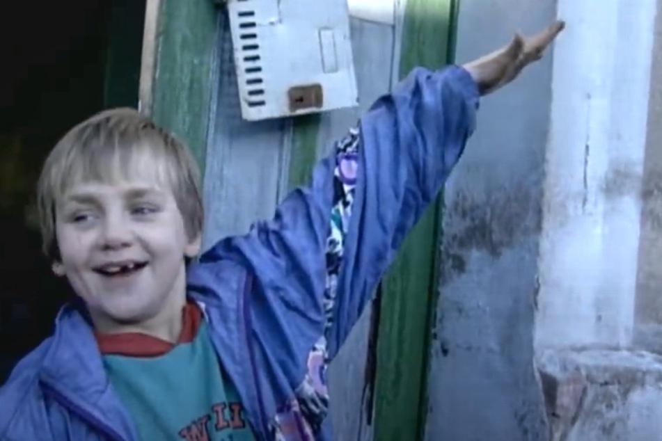 Seit 1994 begleitete stern TV die Familie Ritter. Selbst vor laufender Kamera genierte sich der damals neunjährige Norman (heute 36) nicht, öffentlich den Hitlergruß zu zeigen.