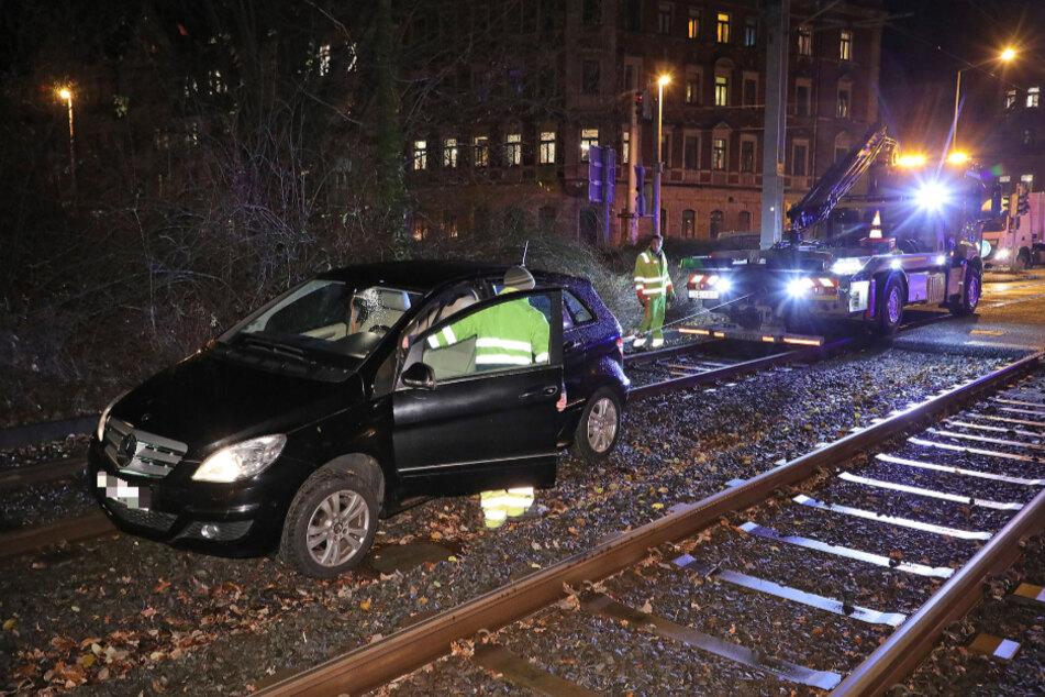 Kurze Zeit nach dem Unfall des Audis geriet in Löbtau ein Mercedes-Benz ins Gleisbett.