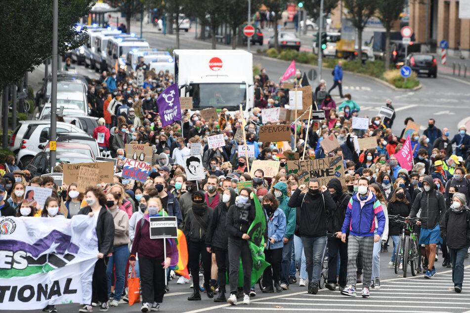 """Auch in der Mainmetropole Frankfurt gingen """"Fridays-for-Future""""-Aktivisten auf die Straße."""