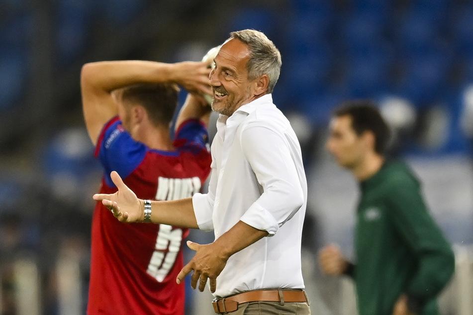Eintracht-Coach Adi Hütter (50) musste am Freitag miterleben, dass vor allem seinen Neuzugängen noch das gewisse Etwas fehlt.