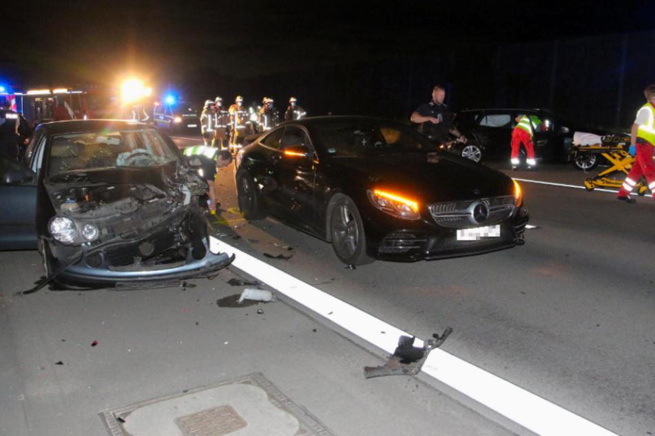 Auto kracht in Stauende auf A113: Zwei Verletzte!