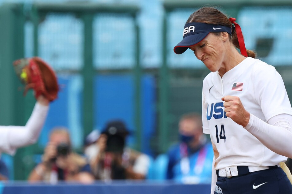 Olympics: Team USA softball wins again behind Abbott's one-hit pitching performance