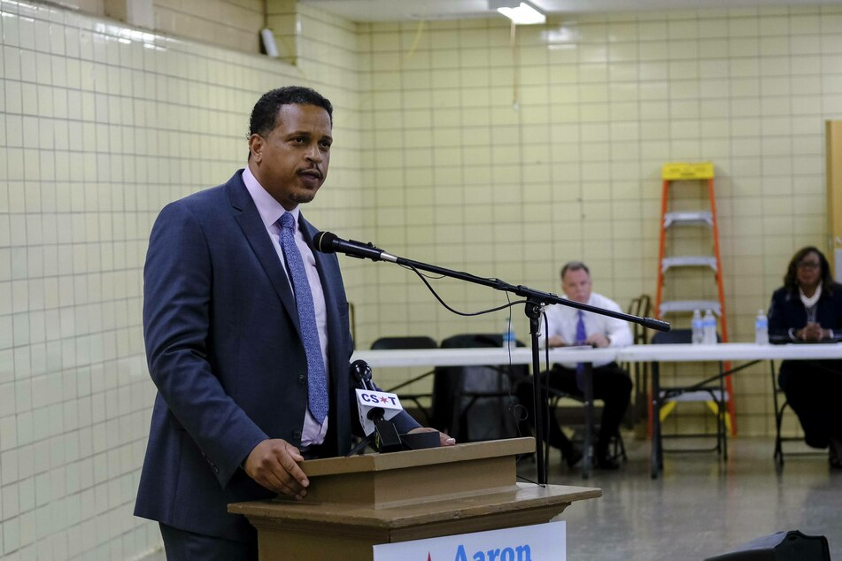 Troy LaRaviere, president of the Chicago Principals and Administrators Association, blamed the management of Chicago Public Schools for the deadlock.