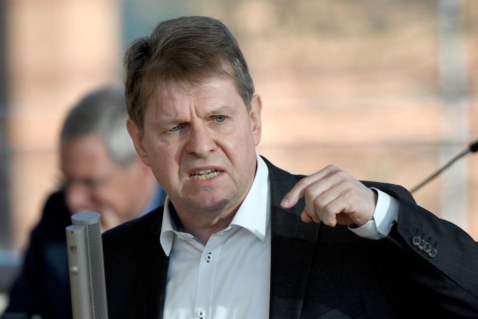Der SPD-Politiker Stegner hat massive Vorwürfe gegen Facebook erhoben.