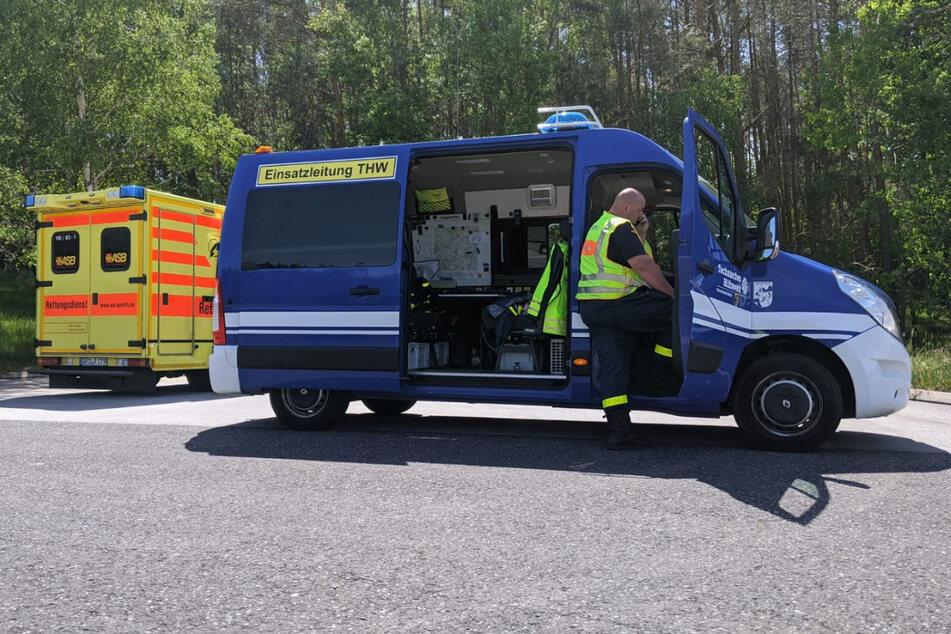 Rettungskräfte holten am Donnerstagvormittag eine schwangere Frau aus einem Stau bei Görlitz.