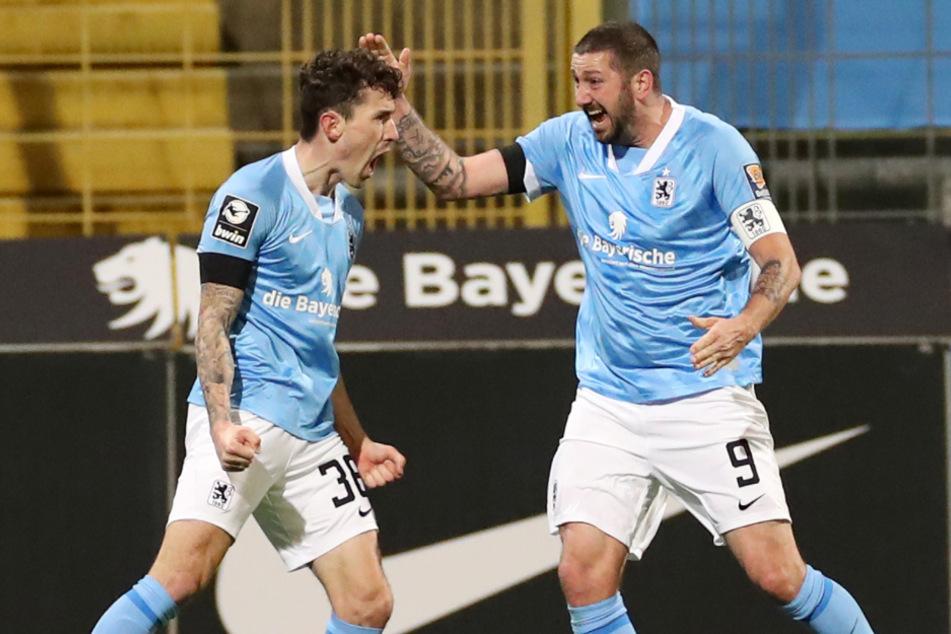 Phillipp Steinhart (28, l.) erzielte gegen die SG Dynamo Dresden den Siegtreffer und unterschrieb nun beim TSV 1860 München einen neuen Vertrag.