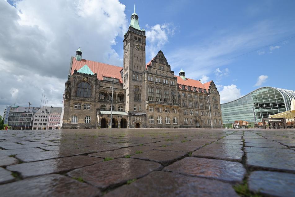 Dem Rathaus Chemnitz steht ein bewegter Herbst bevor. Stadtratssitzungen, Interims-Regentschaft von Miko Runkel (59, parteilos) und Amtseinführung von Sven Schulze.