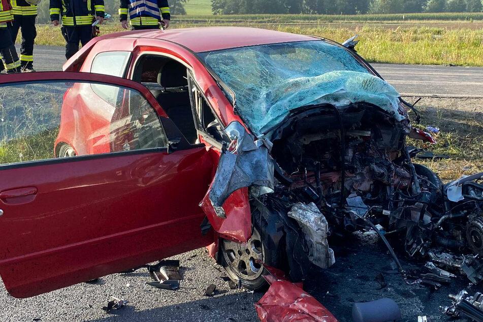 Die Bundesstraße wurde nach dem verhängnisvollen Unfall komplett gesperrt.