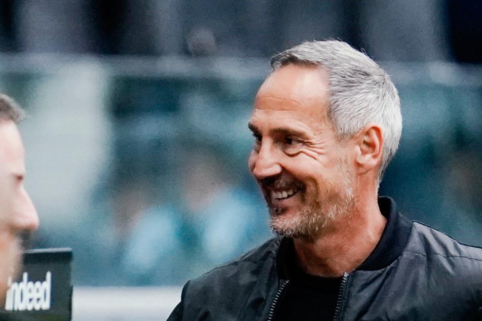 Zufrieden mit der Hinrunde, dennoch hätte Cheftrainer Adi Hütter gerne den ein oder anderen Sieg mehr eingefahren.
