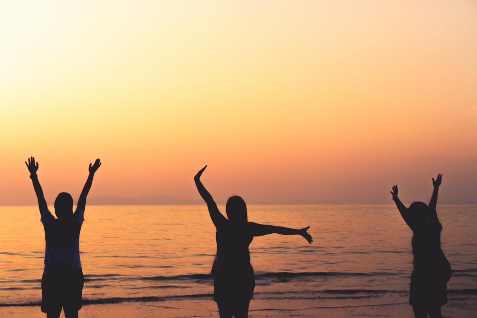 Zu schnell vorbei: Viele Menschen freuen sich das ganze Jahr auf ihren großen Urlaub. Ist dieser rum, fallen viele in ein Tief. (Symbolbild)
