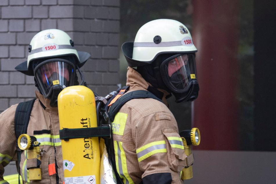 München: München: Hoher Schaden bei Brand in Mehrfamilienhaus