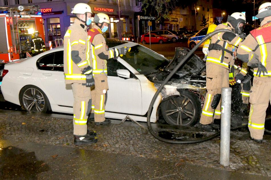 Rund 90.000 Euro teures Luxusauto in Flammen!