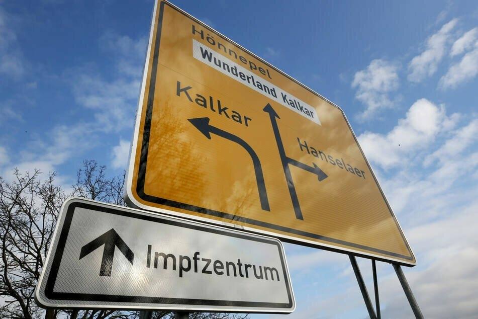 Das niederrheinische Kalkar will den Parteitag der NRW-AfD, der in der Stadt geplant ist, verbieten. Grund dafür ist die Nähe zu einem Corona-Impfzentrum.