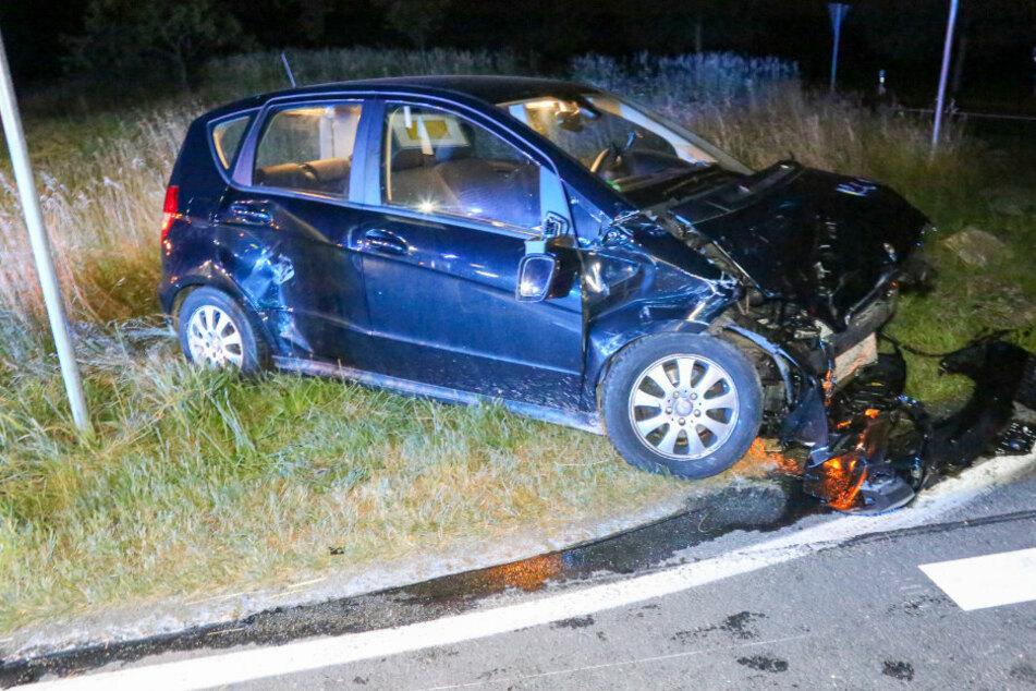 Zwei Verletzte bei schwerem Kreuzungscrash im Erzgebirge