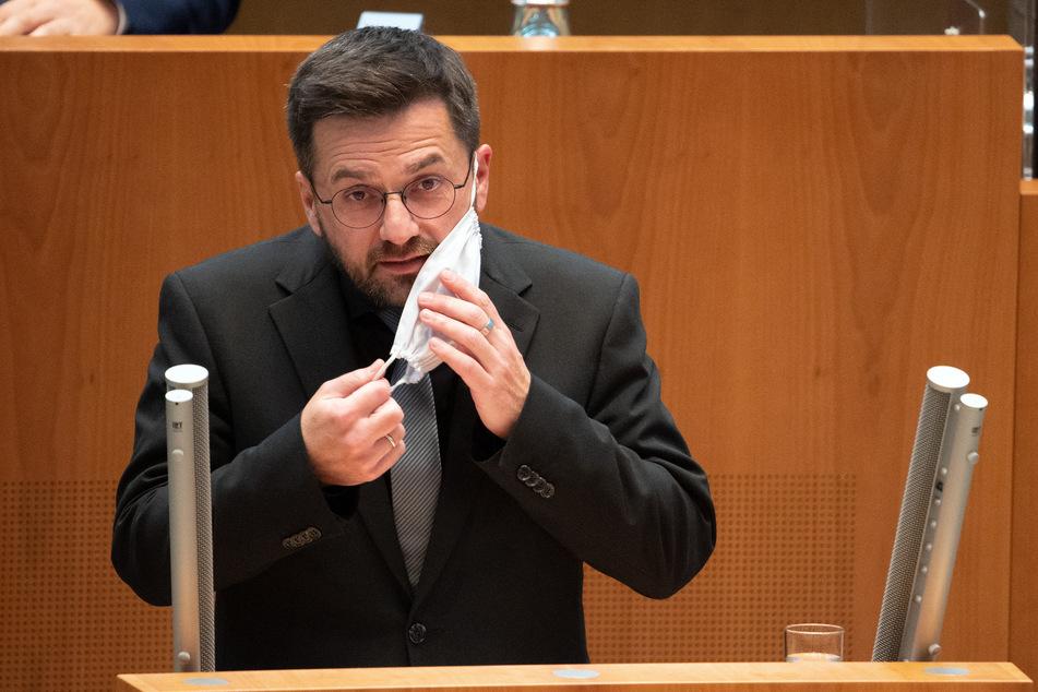 Thomas Kutschaty, SPD-Frtaktionsvorsitzender, fordert einen gemeinsamen Konsens bei der Bekämpfung der Corona-Pandemie.