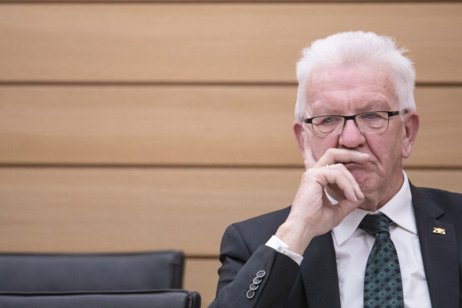 Baden-Württembergs Ministerpräsident Winfried Kretschmann (72, Grüne) bei der Sondersitzung im Landtag.