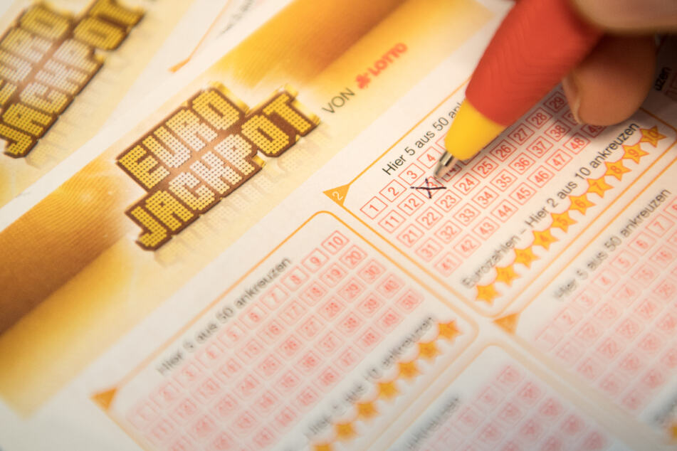 Eurojackpot geknackt: Zwei Glückspilze bekommen jeweils über 38 Millionen!