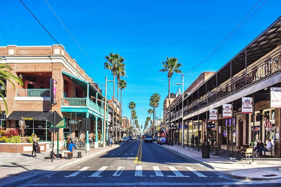 In Tampa werden die Straßen jetzt abgeriegelt, damit Geschäfte und Restaurant ihre Kunden draußen empfangen können. (Symbolbild)