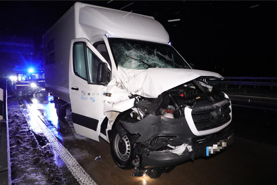 Am Kleintransporter entstand Totalschaden.