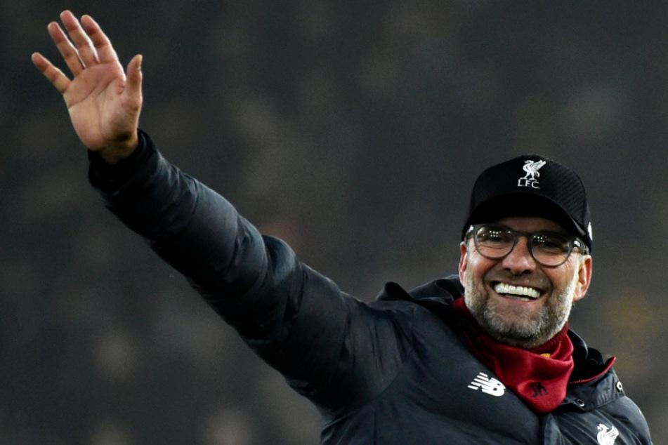 Jürgen Klopp wünscht sich, dass der Fußball bald wieder losgeht, hält sich aber an die empfohlenen Maßnahmen und bleibt zu Hause.