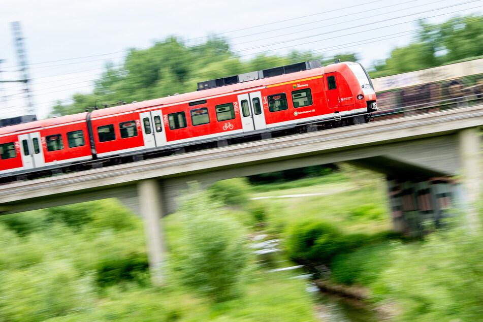Ein Zug in Niedersachsen.