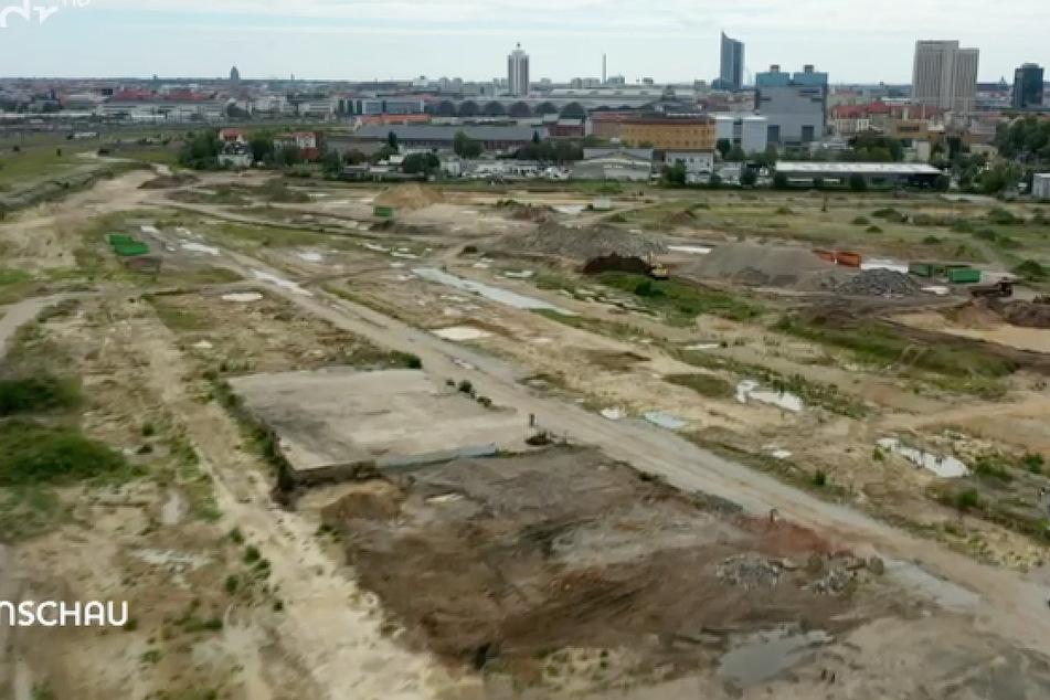Eigentlich sollten die Bauarbeiten auf dem Gelände des Eutritzscher Freiladebahnhofs Anfang 2022 starten. Ob das tatsächlich geschehen wird, steht aktuell in den Sternen.