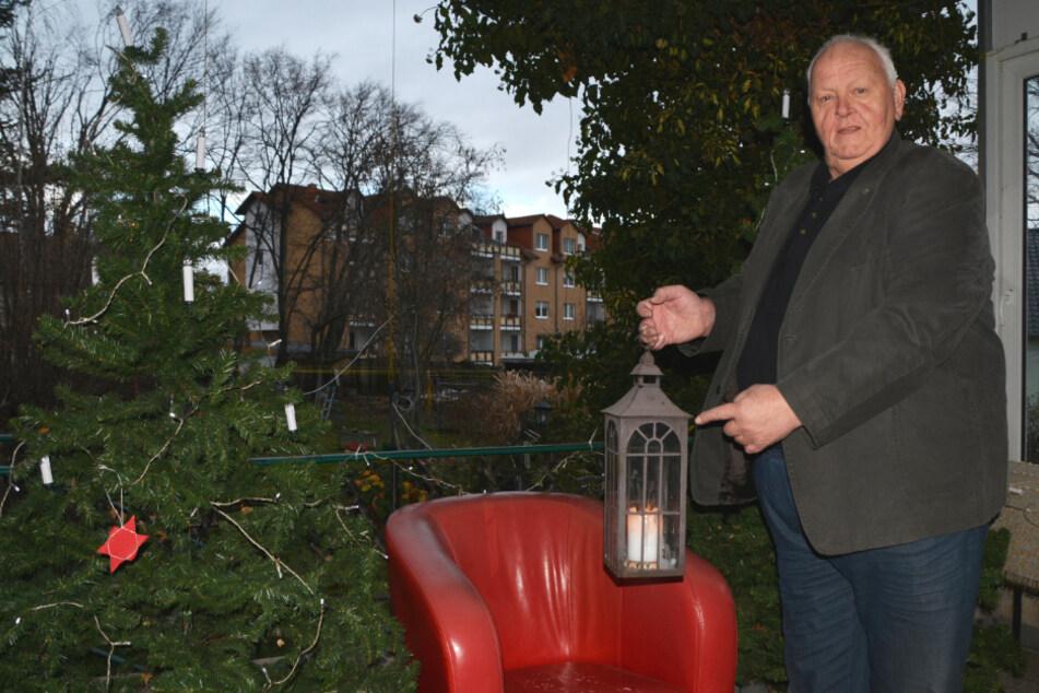 Jedes Jahr hütet der Ortsvorsteher von Liebertwolkwitz, Roland Geistert (70, LUV) das Friedenslicht aus Bethlehem auf seinem Privatgrundstück akribisch wie den eigenen Augapfel.