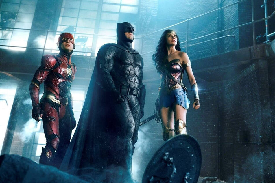 Ezra Miller soll als The Flash (links) 2022 seinen eigenen Film bekommen.