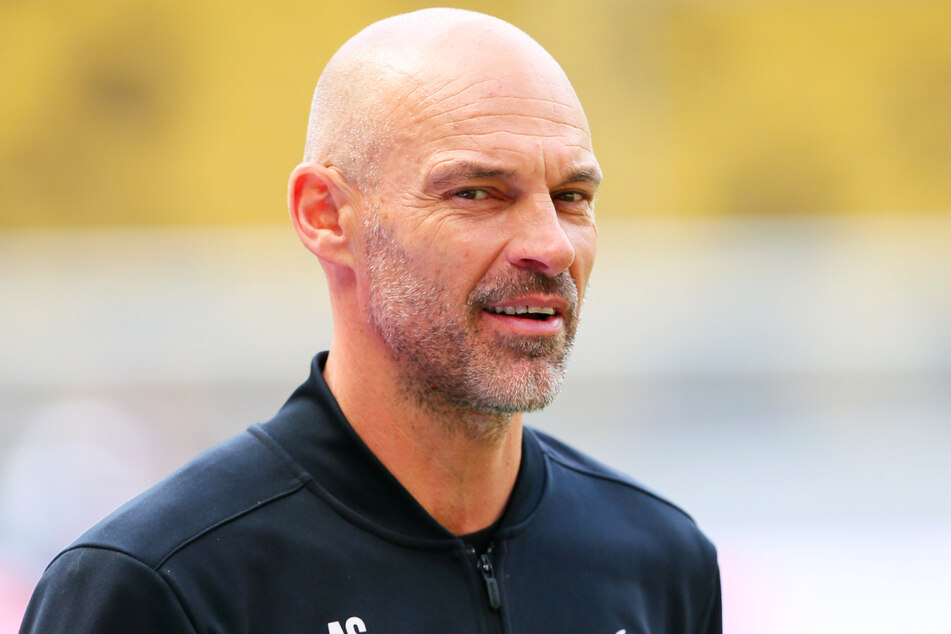 Dynamo-Trainer Alexander Schmidt muss an seinem 53. Geburtstag arbeiten - und freut sich drauf.