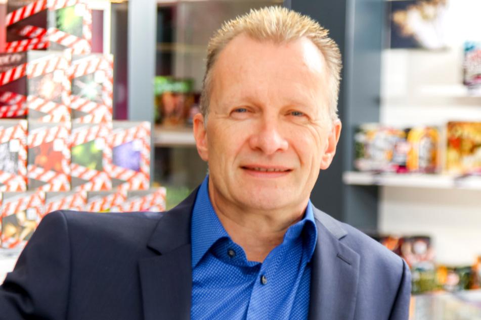 Weco-Chef Thomas Schreiber (56) befürchtet bei einem Verbot ein Ansteigen von illegalem Feuerwerk.