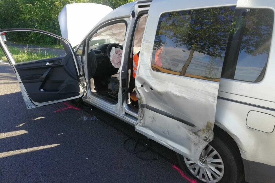 Am Caddy des 23-Jährigen entstand ein Sachschaden von rund 12.000 Euro.