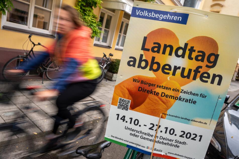 """Ab Donnerstag kann man sich für das Volksbegehren """"Landtag abberufen"""" in den Rathäusern eintragen."""
